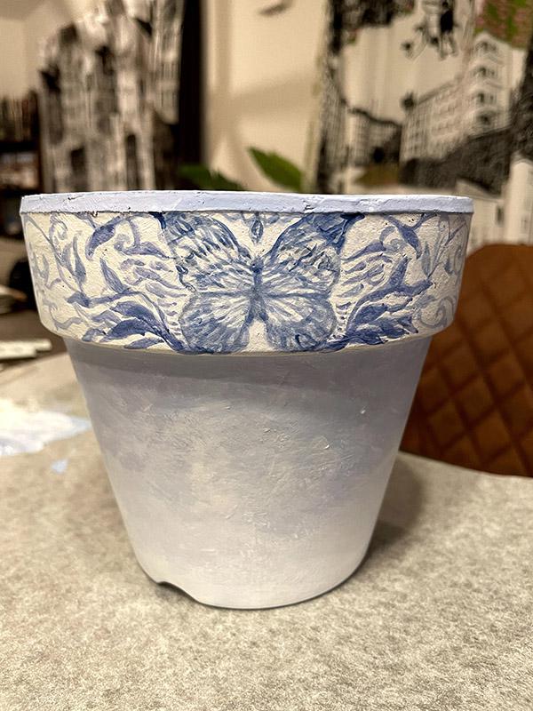 アクリルガッシュでペイントした鉢
