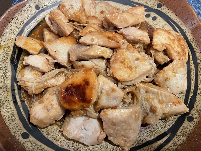 鳥むね肉とえのきの味噌バター炒め